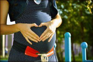 Lee más sobre el artículo ¿Sabes cómo afrontar un embarazo de riesgo? Todas las claves