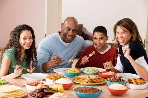 Lee más sobre el artículo Qué piensa tu cuerpo sobre ti cuando no cenas o no desayunas