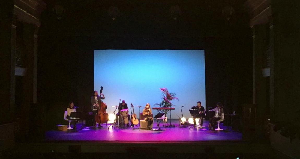 Lee más sobre el artículo Nena Daconte llena el Teatro Real de Aranjuez en su vuelta a los escenarios